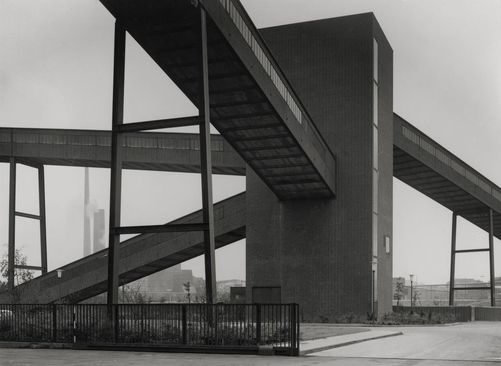 Black and white photography of an industrial architecture detail, Albert Renger-Patzsch