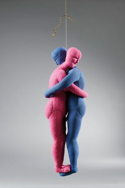 Sculpture of a pink and a light blue cloth doll embracing each other, Louise Bourgeois, Sammlung Goetz, Munich